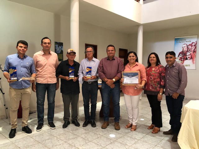 Comitê de Bacia do Banabuiú empossa novos membros e homenageia personalidades da região