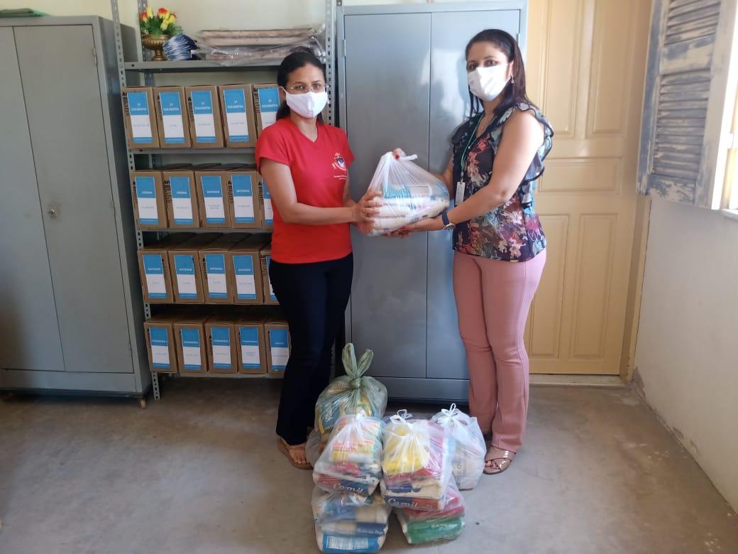 Gerência Regional de Limoeiro do Norte doa cestas de alimentos para famílias carentes